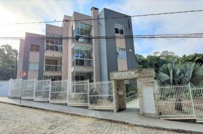 Apartamento com 2 dormitórios no Bairro da Velha. Próximo ao trevo da tomio